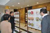 El Ayuntamiento acoge una exposición artesanal de panderetas