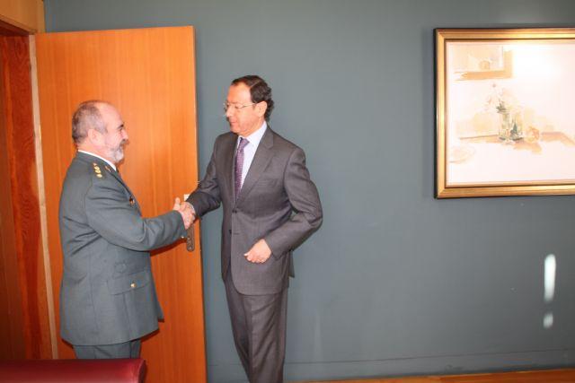 Cámara recibe al coronel jefe de la Guardia Civil Ortega Rodríguez - 1, Foto 1