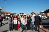 Alumnos del IES Villa de Alguazas difunden la campaña de recogida de juguetes