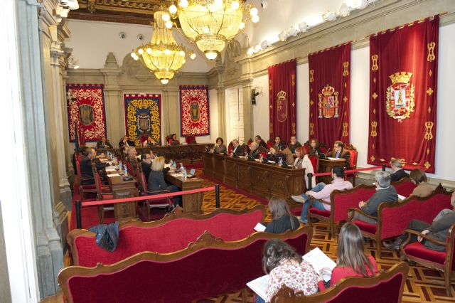 La corporación despide el año aprobando la modificación de las Ordenanzas Fiscales para 2012 - 1, Foto 1