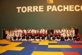 El alcalde visita a los taekwondistas concentrados en Torre-Pacheco preparando próximos eventos deportivos