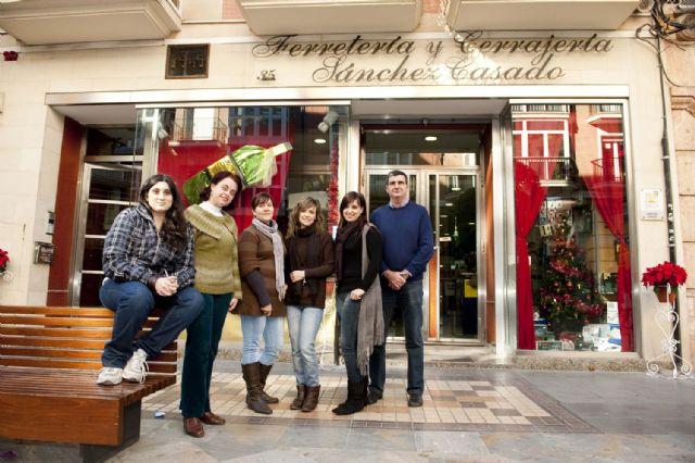Guirnaldas y pastorcillos, en las mejores vitrinas de Navidad - 3, Foto 3