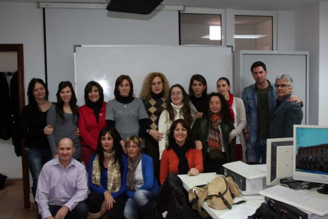 Entregados los diplomas del curso de contabilidad informatizada impartidos en el centro de desarrollo local de alcantarilla - 1, Foto 1