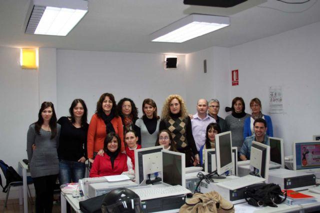 Entregados los diplomas del curso de contabilidad informatizada impartidos en el centro de desarrollo local de alcantarilla - 2, Foto 2
