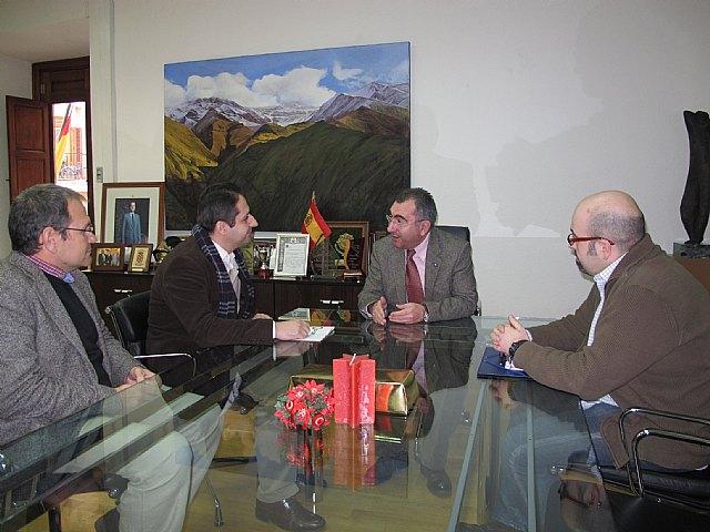 El consejero de Presidencia recibe a miembros del sindicato CSIF - 1, Foto 1