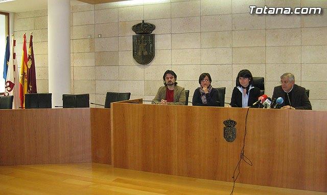 La alcaldesa y los grupos políticos municipales abogan por la normalización política e institucional de Totana - 1, Foto 1
