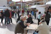 El mercadillo navideño de puerto de Mazarr�n ha llenado de vida y fiesta la plaza de Toneleros