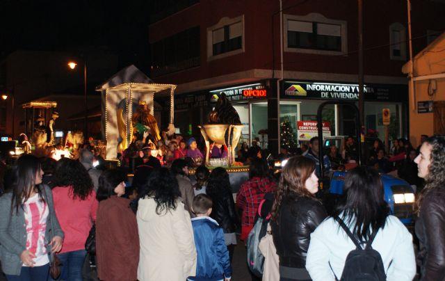 Los Reyes Magos desembarcan en San Pedro del Pinatar acompañados de más de 200 personas - 3, Foto 3