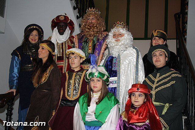 Thousands of people took to the streets to greet the Magi from the East