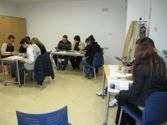 Begin the training in the area of Citizen Participation for the year 2012