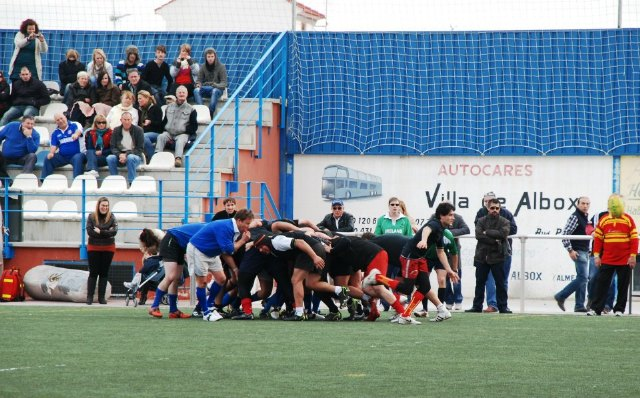 First victory of the Rugby Club in his second game Totana friendly