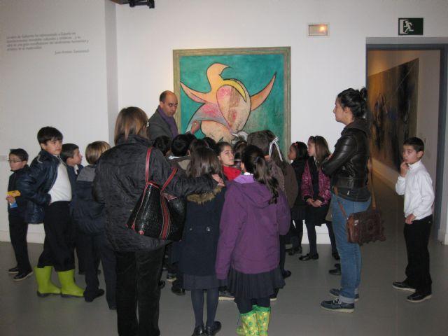 Más de 150 alumnos de Mula participan en talleres de pintura infantil impartidos por Cristóbal Gabarrón - 1, Foto 1