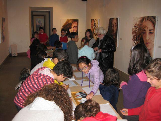 Más de 150 alumnos de Mula participan en talleres de pintura infantil impartidos por Cristóbal Gabarrón - 2, Foto 2