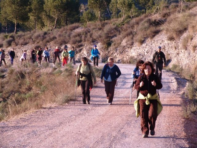 More than 40 people participated in the hiking trail that took place in the Rambla de La Torrecilla (Lorca)