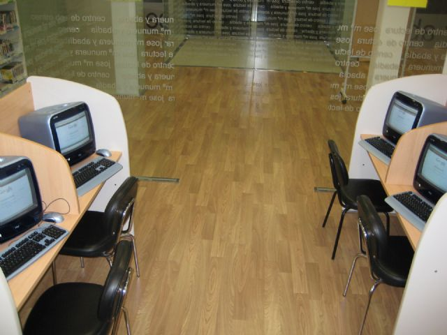"""The Library """"José María Munuera and Abbey"""" expands its services with a new computer room with Internet access"""