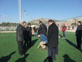 Cruz inaugura en Yecla un nuevo campo de fútbol 'basado en la eficiencia y la sostenibilidad'