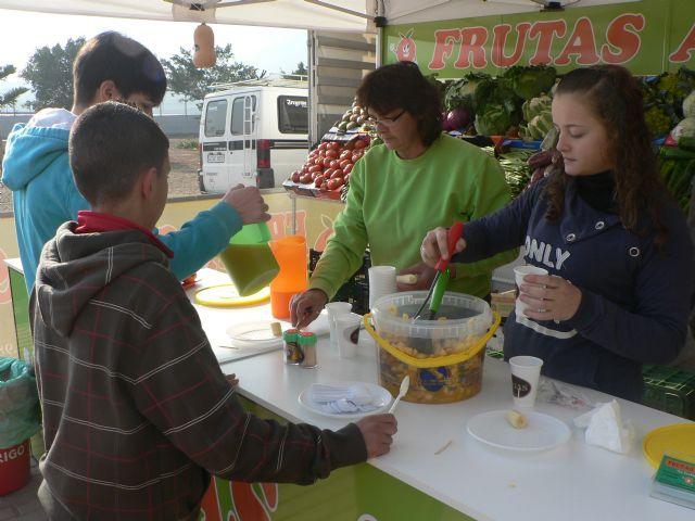 La campaña Almuerzo saludable llega al I.E.S. Felipe II - 1, Foto 1