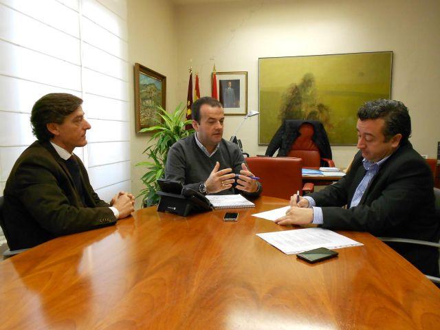 Iniesta y Tortosa se reúnen con la Asociación de Comerciantes Independientes del barrio del Carmen - 1, Foto 1