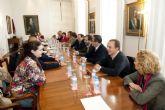 Solicitan tres parcelas municipales para construir un complejo deportivo y un club de playa en Los Urrutias