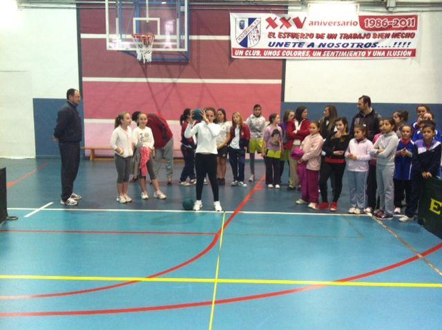 Los colegios Manuela Romero y Bahía representantes municipales para las jornadas de atletismo alevín - 1, Foto 1