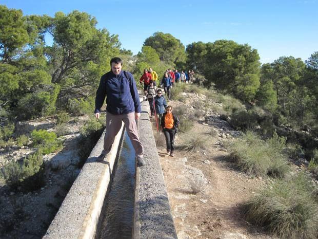 Senderistas se adentran en el corazón del Parque Regional de Sierra Espuña en la última ruta organizada por la concejalía de Deportes - 2, Foto 2