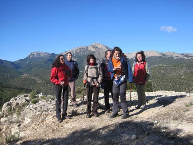Senderistas se adentran en el corazón del Parque Regional de Sierra Espuña en la última ruta organizada por la concejalía de Deportes - 3, Foto 3