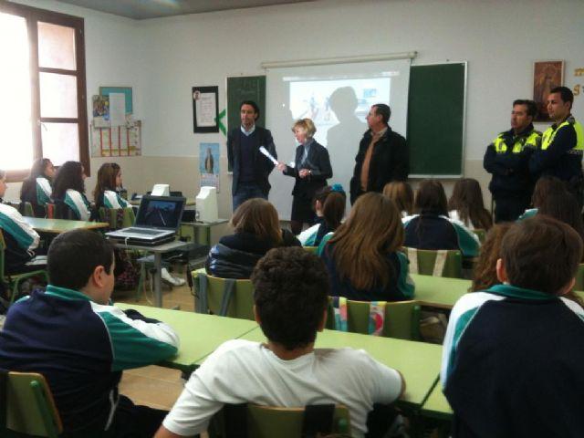 El Ayuntamiento de Lorca promueve la seguridad vial entre 2.075 estudiantes de Secundaria de todo el municipio - 1, Foto 1