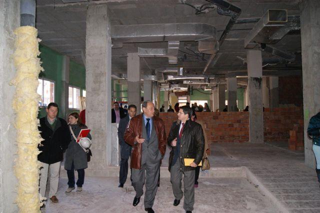 El Ayuntamiento recibe 9.000 m2 de materiales de construcción donados por la firma Saint-Gobain Placo - 1, Foto 1