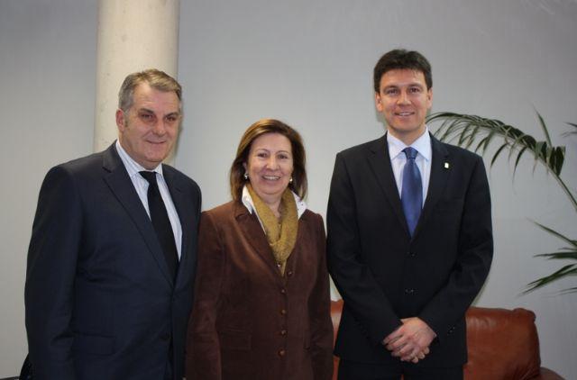 El alcalde se reúne con Mª Ángeles Palacios y le expone las necesidades de Alhama en materia de Sanidad - 1, Foto 1