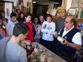 Alumnos del Instituto Europa aprenden a elaborar quesos artesanales