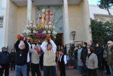 San Blas desafía a las bajas temperaturas y congrega a miles de personas