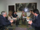 El consejero de Presidencia recibe al alcalde de Santomera