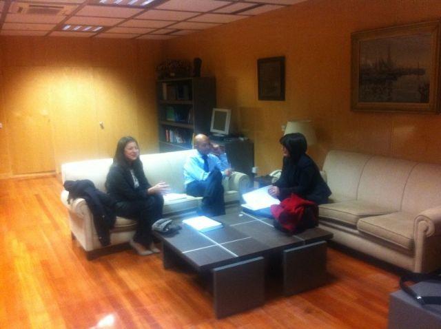 La alcaldesa se re�ne con el secretario de Estado Jaime Garc�a-Legaz, del Ministerio de Econom�a y Competitividad, para presentarle el plan de viabilidad municipal, Foto 1