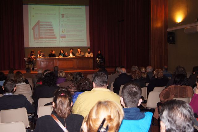 The City exposed to neighborhood associations and local associations of the audit results and measures of the viability plan
