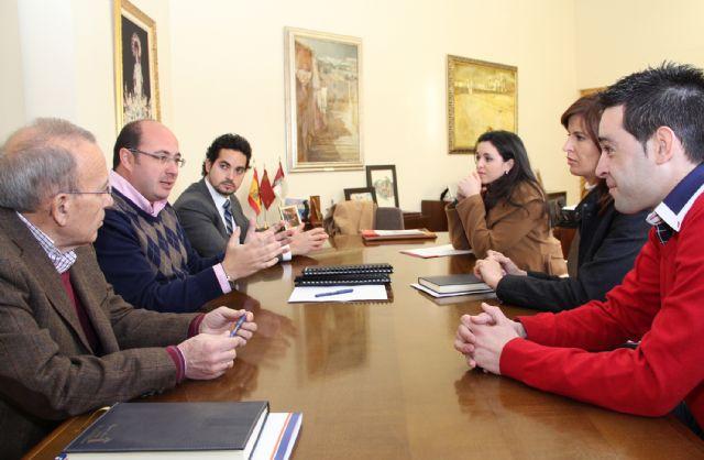 El Alcalde presenta a AJE Guadalentín las nuevas bonificaciones en tasas e impuestos municipales para jóvenes empresarios - 1, Foto 1
