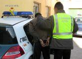 La Guardia Civil detiene a una persona dedicada a la comisión de robos con fuerza en vehículos, en Cieza