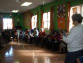Los usuarios de los Centros de Día de Personas Mayores Dependientes celebran el Día de los Enamorados con la lectura de poesías