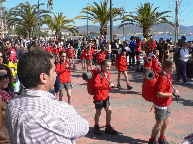 El carnaval llega a Puerto de Mazarrón con un desfile por el paseo, Foto 2