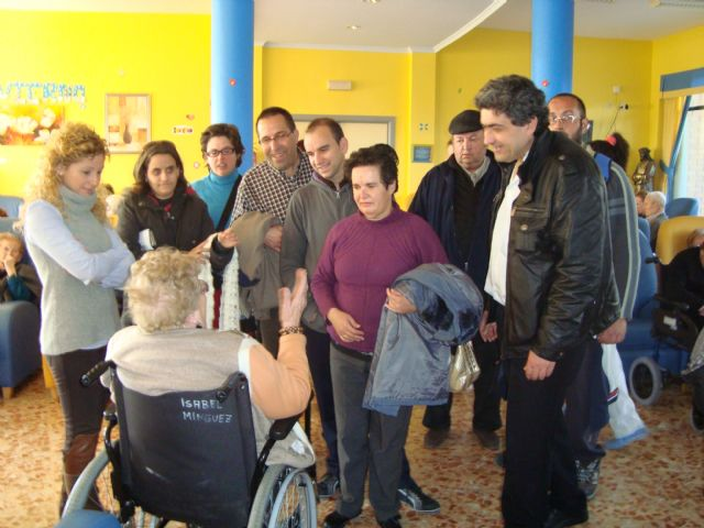 """Users of Psychosocial Support Services visit the Senior Residence """"La Purisima"""""""
