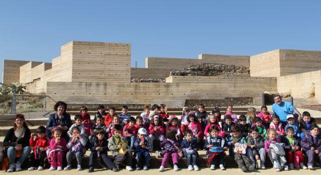 La concejalía de Turismo diseña una oferta específica para que los centros educativos puedan visitar el entorno del Castillo de Nogalte y las Casas Cueva - 1, Foto 1