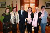 El alcalde de alcantarilla recibió en el ayuntamiento a las mujeres premiadas con los iv premios del área de la mujer 2012