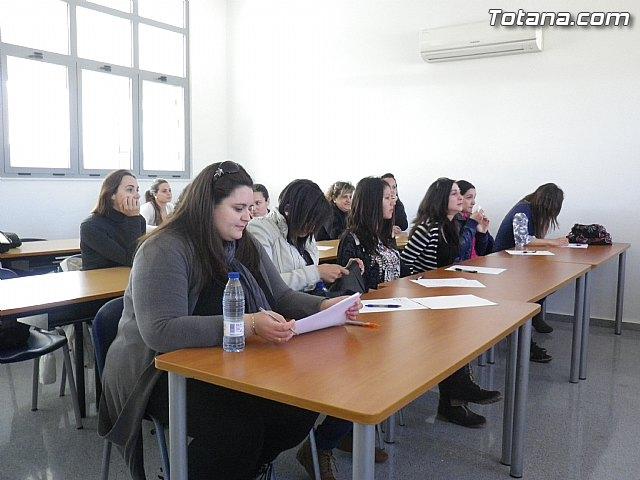 Un total de 15 alumnas inician el programa formativo de auxiliar de centros de estética y belleza - 3
