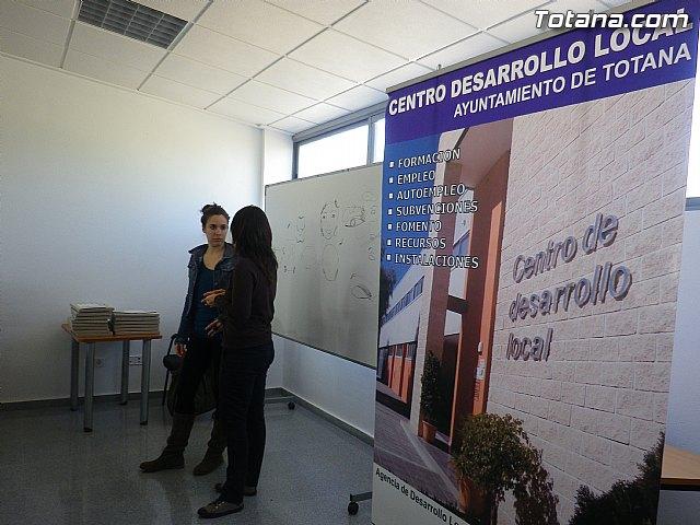 Un total de 15 alumnas inician el programa formativo de auxiliar de centros de estética y belleza - 5