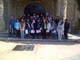 Los jóvenes feligreses de la iglesia de San Onofre, de visita en el santuario de Calasparra