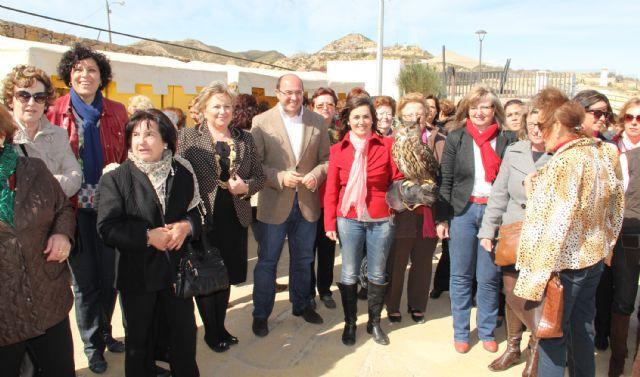 Más de 500 mujeres de Fuente Álamo celebran el Día de la Mujer Trabajadora con una visita turística a Puerto Lumbreras - 1, Foto 1