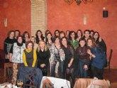 Las alumnas de la promoción 1984-1985 del Colegio La Milagrosa de Totana organizaron una cena