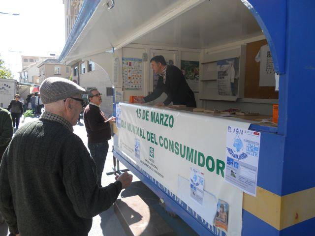 Los consumidores de Totana reciben pautas sobre c�mo ahorrar agua en los hogares, Foto 2