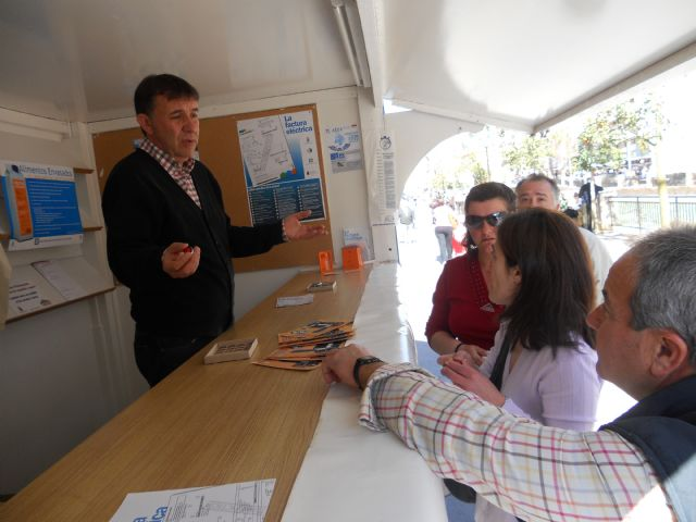Los consumidores de Totana reciben pautas sobre c�mo ahorrar agua en los hogares, Foto 3