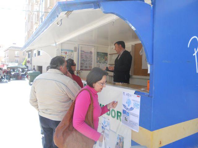 Los consumidores de Totana reciben pautas sobre c�mo ahorrar agua en los hogares, Foto 4