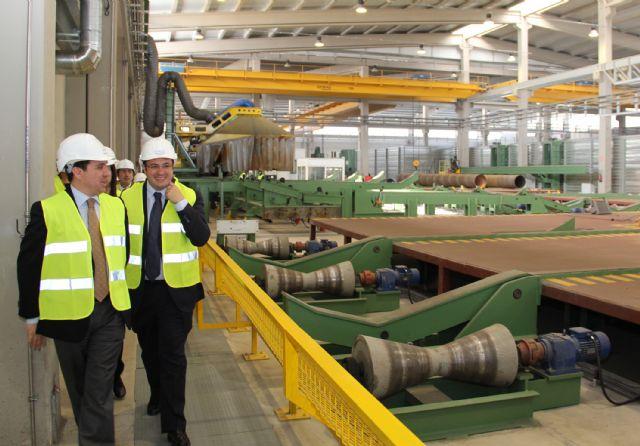 El Alcalde y miembros del Equipo de Gobierno visitan las instalaciones de la Factoría  multinacional de metalurgia Noksel - 1, Foto 1